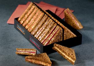 Pyramide de sandwiches
